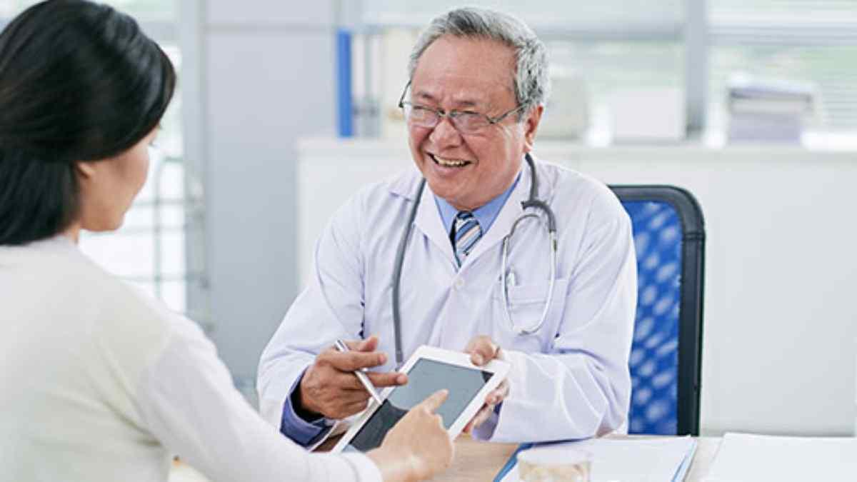 Qual o médico de hemorroida