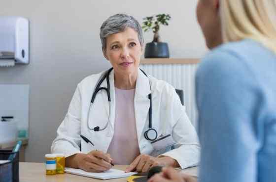 Médico de Hemorroida