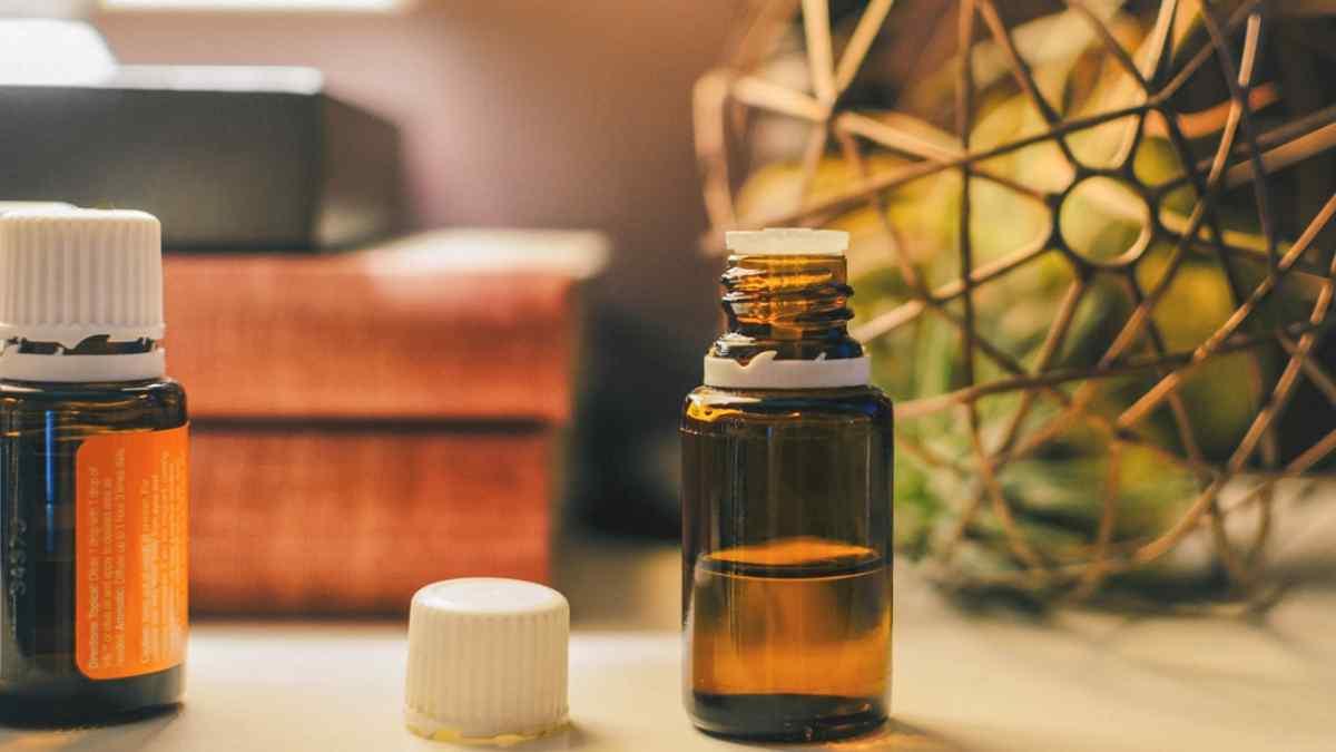 Tratamento natural para hemorroida com óleo essencial